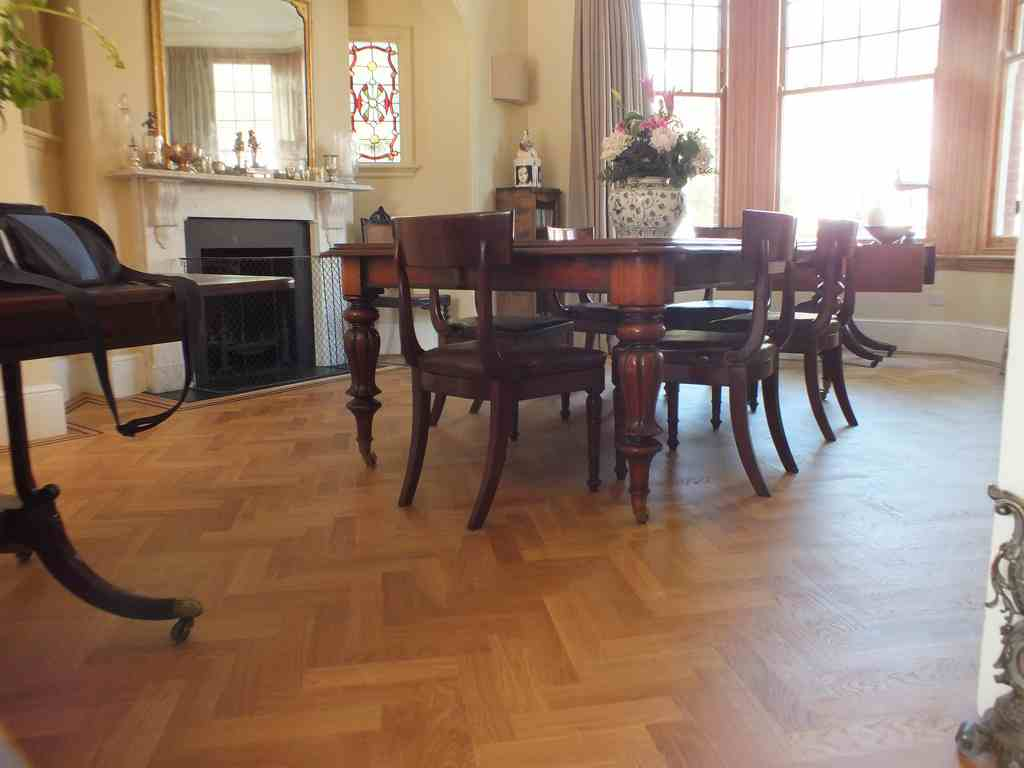 floor-sanding-parquet-blocks