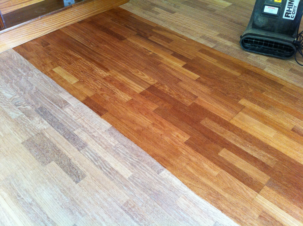 floor-sanding-varnish